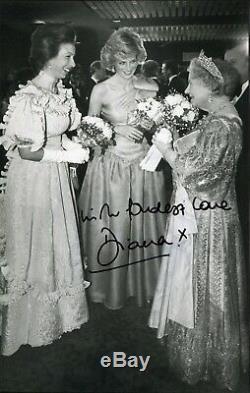 Autograph Princess DIANA SPENCER + 104 ROYAL WEDDING First Day Covers Rare Stamp