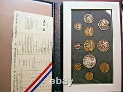 France. Joli coffret ou série BE en Francs 2000. FDC