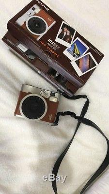 (NEW) Fujifilm Instax Mini 90 Neo Classic Instant Film Camera With 6 Films